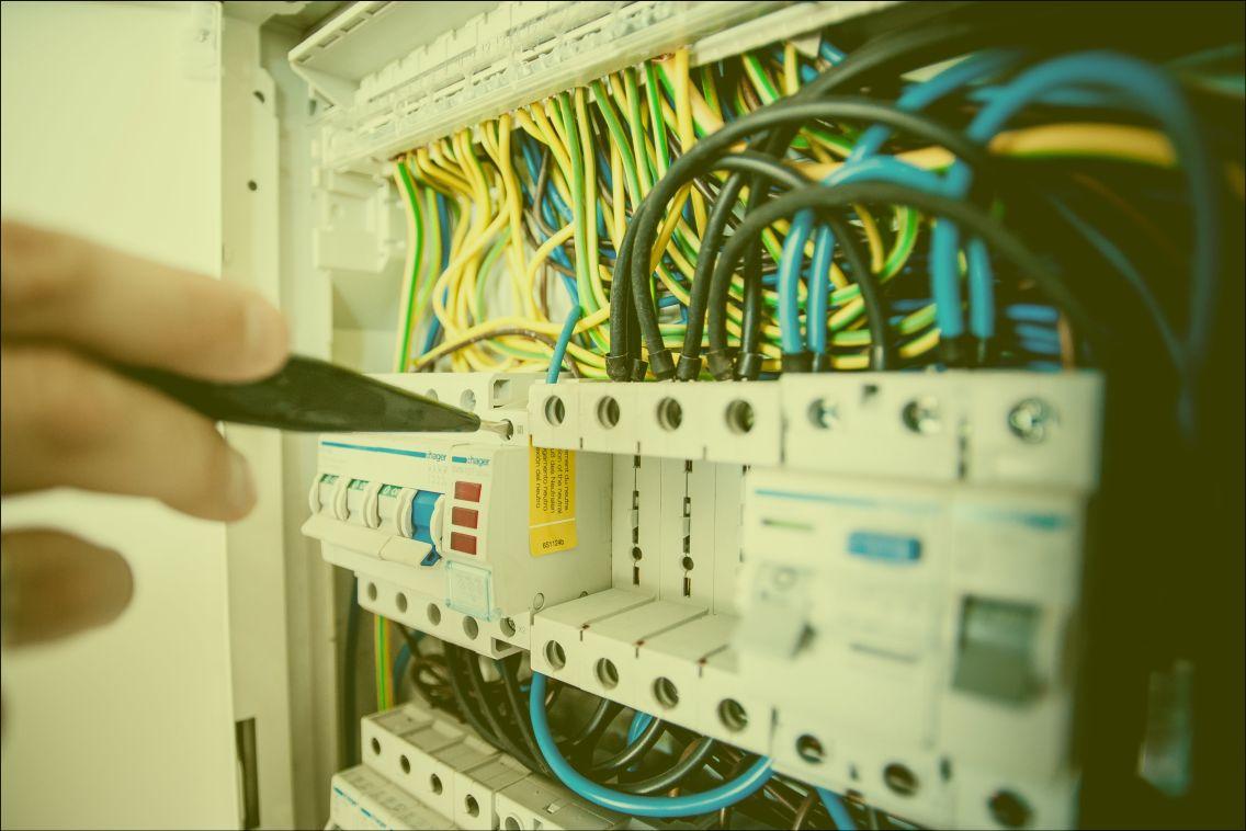 instalatii-electrice2.jpg